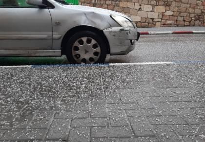 ברד סוער בירושלים: צפו בתיעוד קפוא ולבן