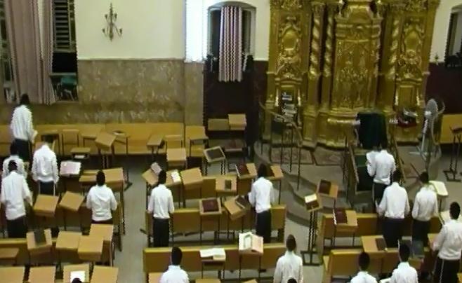 צפו: בפוניבז' התפללו נגד תיקון חוק הגיוס