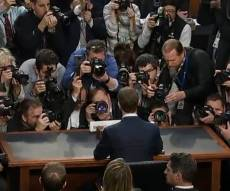 """צוקרברג בפתח השימוע - עדות מייסד פייסבוק: """"טעיתי; האחריות שלי"""""""