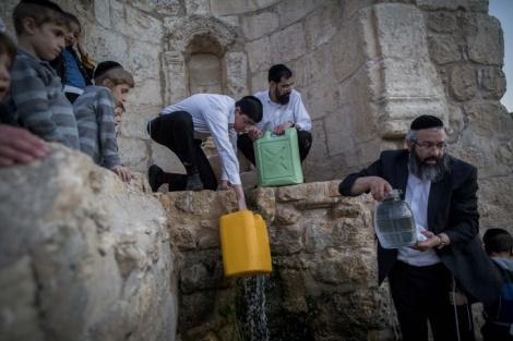 צפו בגלריה: שאיבת מים שלנו בהרי ירושלים