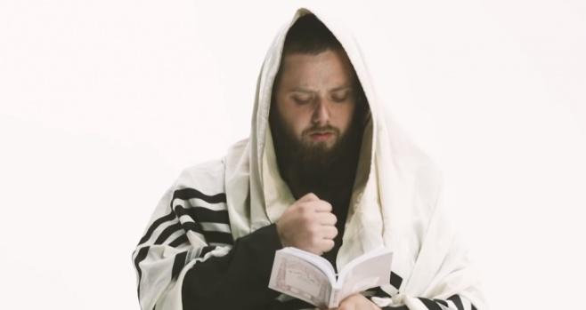 יוסף ניוקם בקליפ חדש לשירו: לעולם לא מאוחר