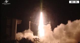 רגע השיגור - שני לוויינים תוצרת ישראל שוגרו לחלל • צפו