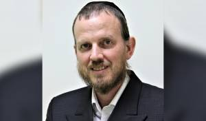 """עו""""ד אברהם יוסטמן"""