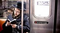 חרדי ברכבת הניו-יורקית. למצולם אין קשר לכתבה