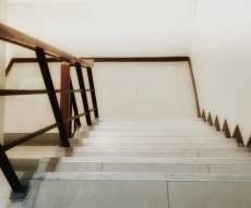 שני פעוטות נפלו במדרגות - מצבם בינוני