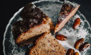 עוגת תמרים מהירה, בריאה וטעימה
