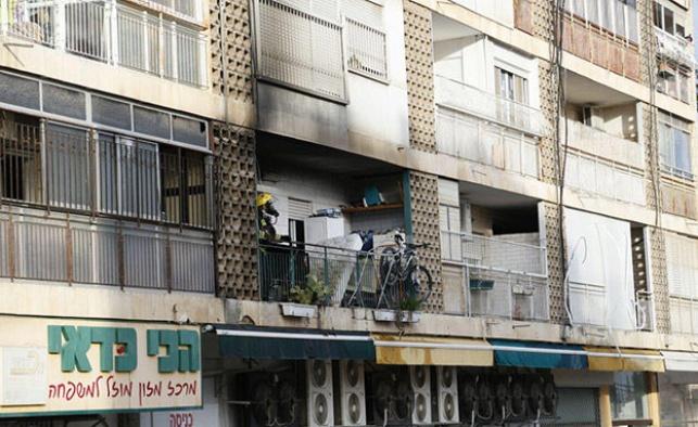 הדירה שעלתה באש, הבוקר