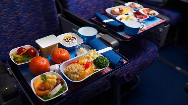 אוכל במטוס. אילוסטרציה