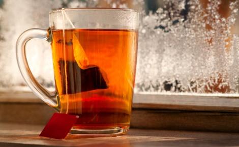 תה. לא רק לגרון כואב - הדברים שלא ידעתם ששקיק תה יכול לעשות