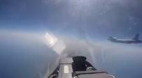 הרוסים צילמו: טיסה צמוד למפציץ אמריקני