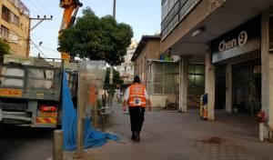 בני ברק: שני פועלים נפלו מגובה ונפצעו