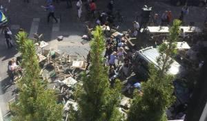 זירת הפיגוע - גרמניה: הרוגים ופצועים בחשד לפיגוע טרור