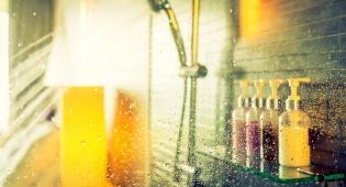 מקלחת שמרגישה כמו שטיפה במפלי הניאגרה