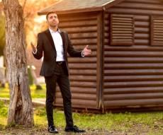 """אופיר סלומון בסינגל חדש - """"תודה לא-ל"""""""