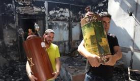 בית הכנסת נשרף וניזוק; ספרי התורה ניצלו