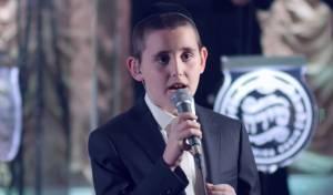 """ילד הפלא אברומי גנוט מרגש: """"טאטע"""""""