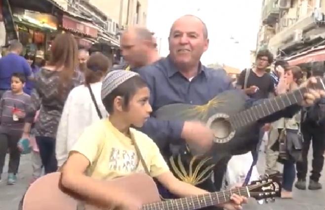 """סנדי שמואלי בקליפ חדש - """"הנה ימים טובים"""""""
