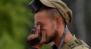 """חייל צה""""ל לפני היציאה לקרב בעזה"""