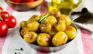 קטנים ומטריפים: תפוחי אדמה מקורמלים בסגנון דֶּנִי