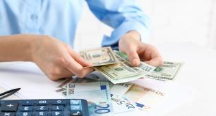 סקר חברות האשראי: זה הגיל שעולה לנו הכי הרבה כסף