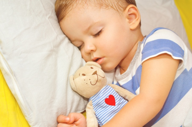 מתהפכת במיטתך למרות שהפעוט שלך כבר ישן לילה שלם? את לא לבד