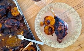 שוקי אווז עסיסיים בתנור עם רוטב משגע