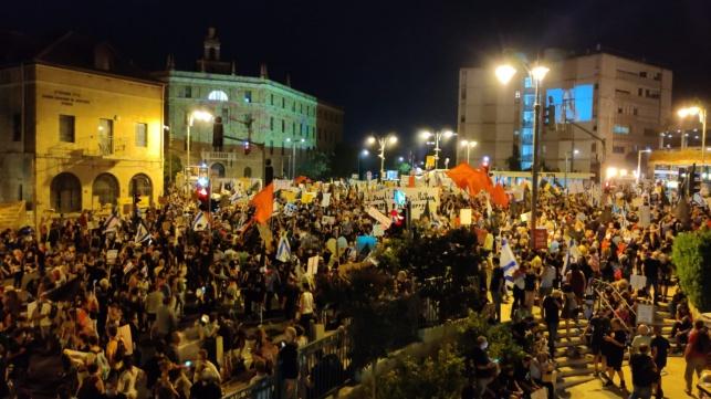 'התחלואה עולה בגלל ההפגנות המטורפות'