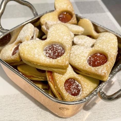 עוגיות חמאה עם ריבת תות