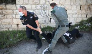 מעצר בהפגנות בהר ציון. ארכיון