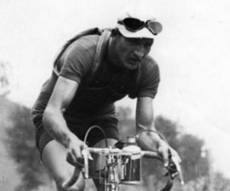 ג'ינו ברטולי על אופניו - סיפורו של האיש שהביא את הג'ירו לישראל