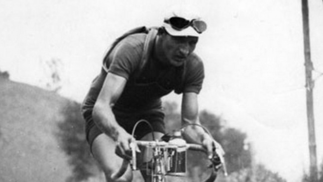 ג'ינו ברטולי על אופניו