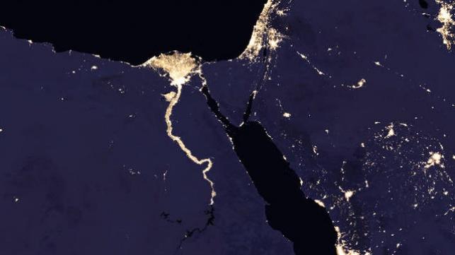 ישראל מוארת לצד המדינות החשוכות