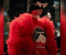 תביאו לנו עוד מהאדום האדום הזה - 6 הלוקים הכי מיוחדים מתצוגת האופנה של גוצ'י