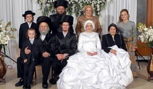 חלק מהמצולמים, בני המשפחה שנהרגו