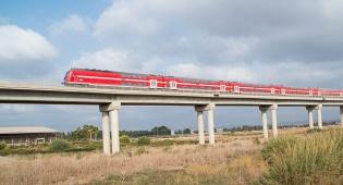 רכבת ישראל נוסעת
