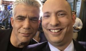 בנט, בתמונת סלפי עם ידידו לפיד