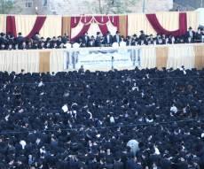 במעמד מיוחד: אלפים קיבלו בשירה את פני מרן שר התורה