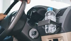 כבאים מזהירים: אל תשאירו בקבוקי מים במכונית