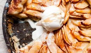 טארט בצק עלים ותפוחים מהיר עם רוטב מייפל