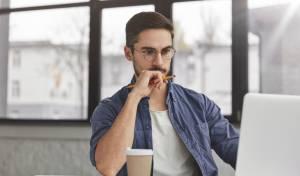 לא תאמינו למה אתם מתקשים להתרכז בעבודה