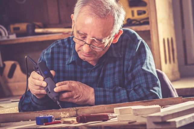 מחקר: אנשים מעל גיל 40 צריכים לעבוד 3 ימים בשבוע