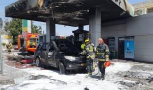 הרכב עולה באש