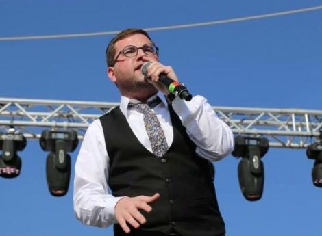 """שלום ברנהולץ בסינגל חדש - """"ואהבת"""""""