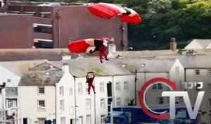 מדהים: צנחן הציל את חברו בשחקים