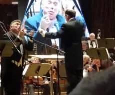 זקן החזנים הפתיע בקונצרט החגיגי •  צפו
