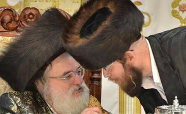 הרב ספיבק עם הרבי מויז'ניץ