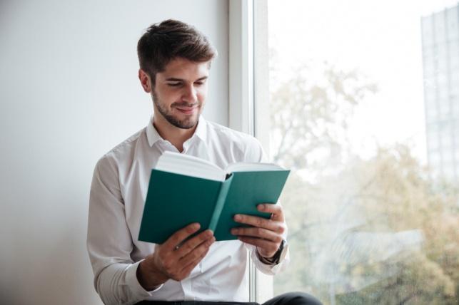 תולעי ספרים? אתם עלולים לחיות יותר, על פי המדע