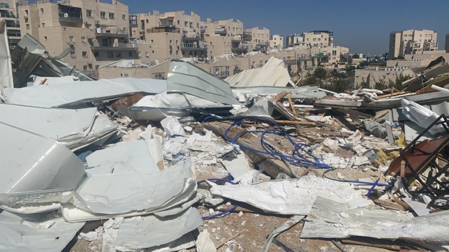 """עיריית בית שמש הרסה בית כנסת עם ס""""ת"""