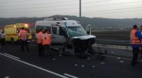 זירת התאונה - הורים ותשעת ילדיהם נפגעו בתאונת דרכים