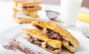 פרנץ' טוסט עם בננה ושוקולד